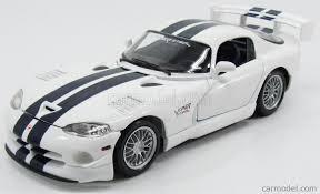Dodge Viper White - maisto 31845 scale 1 18 dodge viper gts srt coupe 2000 white blue