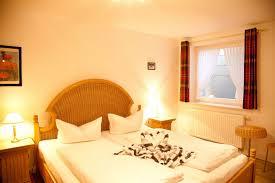 Design Vom Schlafzimmer 4 Zimmer Ferienwohnung Lh Claas App 4 In Wenningstedt Sylt