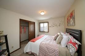 2 bed 1 bath apartment from 824 robin hill