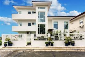 3 storey house for sale in sotogrande tagaytay