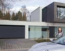 porte sezionali hormann portoni sezionali in legno acciaio e alluminio mdb portas