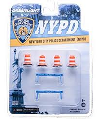 Nypd Business Cards Amazon Com Greenlight Collectibles Nypd Diorama 5 Die Cast Car 1