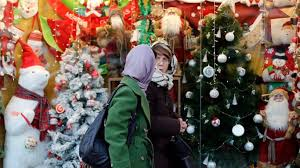 christmas in iran how iranian celebrate christmas eve surfiran