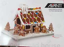 gingerbread house 10 piece baking set
