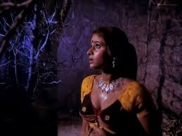 ghost film actress name tahkhana 1986 hindi horror movie review movie review spy