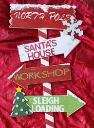 Diy Outdoor Lawn Christmas Decorations 7 Best North Pole Sign Images On Pinterest Christmas Signs 2x4