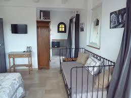 chambres d hôtes au pied des baous chambres d hôtes vence