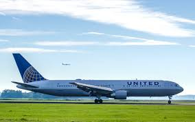 United Airlines Bag Policy by United Airlines Won U0027t Be Fined For Dragging Passenger Off Flight