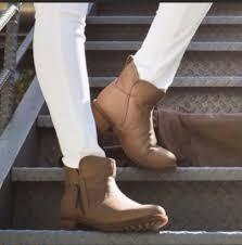 s ugg australia brown leather boots nwb ugg australia lavelle camel brown leather boots bootie size 8