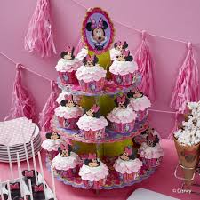 minnie mouse cupcakes sweet minnie mouse cupcakes wilton