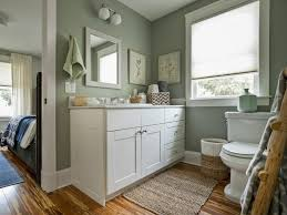 Jack And Jill Floor Plans Jack And Jill Bathroom Pictures From Blog Cabin 2014 Diy Network