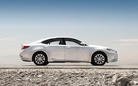 2013 lexus es300h youtube 2013 lexus es 350 and es 300h first test motor trend