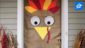 diy thanksgiving decoration turn your door into a turkey