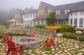 200 Yard Home Design Vote On Your Favorite Outdoor Spaces At Hgtv Com Hgtv U0027s