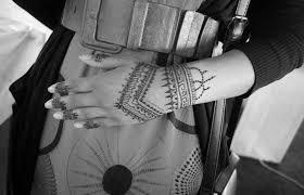 simple tribal henna design