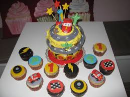 how to make a lightning mcqueen cupcake cake sweets photos blog