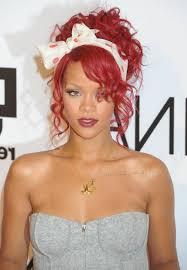 Frisuren Selber Machen Lockiges Haar by Bandana Frisuren Rote Lockige Haare Weißes Gepunktetes Haartuch
