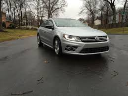 car review volkswagen midsize sedan combines style and