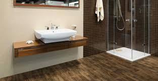 WOOD FLOORING FOR BATHROOMS AND KITCHENS - Hardwood flooring in bathroom