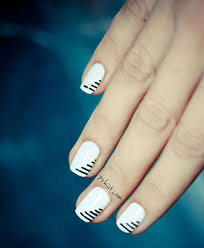 nail hack cheat your way to perfect stripe nails youtube candy