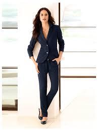 look bureau femme une tenue de bureau sport chic avec blazer court pantalon de