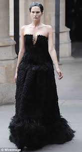 Alexander Mcqueen Wedding Dresses Kate Middleton U0027s Royal Wedding Dress Sarah Burton Unveils