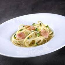 cuisiner le brocolis frais spaghettis crémées au saumon frais et brocolis envie de bien manger