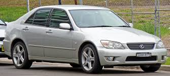 lexus is200 australia file 1999 2005 lexus is 200 gxe10r sedan 04 jpg wikimedia commons