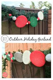 how to make an easy diy outdoor holiday garland garlands