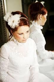Hochsteckfrisurenen Hochzeit Mit Haarreif by Brautfrisur Mit Diadem Und Haarreif 26 Traumhafte Ideen