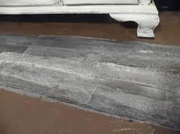 Laminate Floor That Looks Like Wood Grey Wood Look Vinyl Flooring Thesouvlakihouse Com
