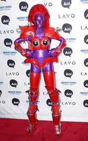 heidi klum halloween costumes the queen of halloween heidi klum paint it lace