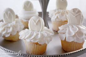 bridal cupcakes bridal shower cupcakes everyday dishes