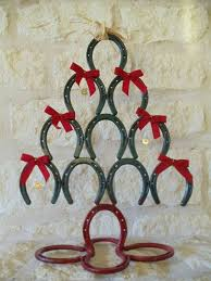 horseshoe christmas tree horseshoe christmas tree ideas diy christmas tree craft projects