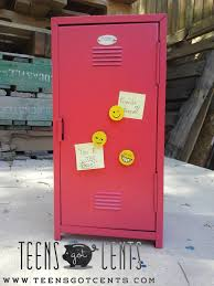Locker Wallpaper Diy by Diy Gift Ideas 3 Back To Presents Your Best Friend Will Love