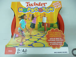 twister dot 3 indoor game twister hopscotch righttolearn com sg