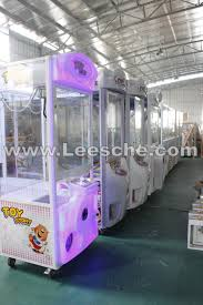 lsjq 806 factory price sweet fun crane claw machine for sale toy