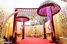 indian wedding decoration floral decor in mumbai indian wedding by flgroe studios