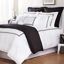 palais royaletm hotel collection king duvet cover in white
