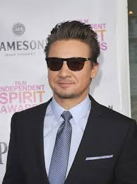 jeremy renner hairstyle jeremy renner to be a father ex girlfriend pregnant lainey gossip