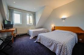 hotel restaurant avec dans la chambre chambre avec 1 grand lit et 1 lit simple photo de hôtel restaurant
