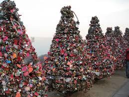 photo essay love padlocks and love locks