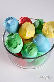 how to make cascarones confetti eggs housewife eclectic