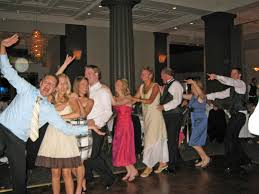 wedding dance bands 5 tips for selecting the songs for your