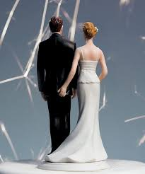 cool wedding cake toppers 16 hilariously creative wedding cake toppers 6 is the story of