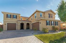 homes on the market for 400 000