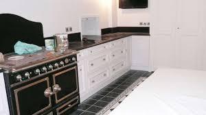 cuisine avec piano de cuisson cuisine equipee avec piano de cuisson maison design bahbe com avec