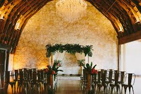 Wedding Venues In Austin Tx Add A Touch Of The Tropics To Your Wedding Brodie Homestead