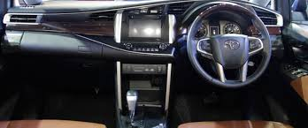 Xuv 500 Interior Toyota Innova Crysta Vs Mahindra Xuv500 Review Differences For