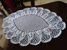 doilies tablecloths crochetshelters